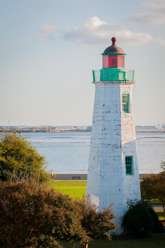 Fort-Monroe-Lighthouse